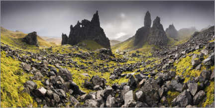 Poster  Le Old Man of Storr sous des nuages sombres - The Wandering Soul