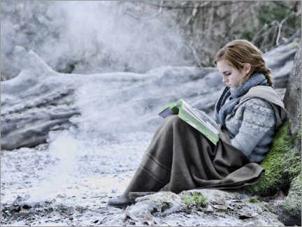 Poster  The Deathly Hallows I - Hermione with her book