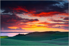 Sticker mural  Rolling green hills and lake at sunset - Mark Scheper