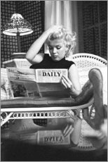 Poster  Marilyn Monroe lisant le journal - Celebrity Collection
