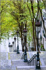 Tableau en plexi-alu  Steps and lanterns lead to the Place du Sacre Coeur - Walter Bibikow