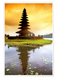 Poster  Temple in Bali with reflection in the water, Indonesia - Bill Bachmann