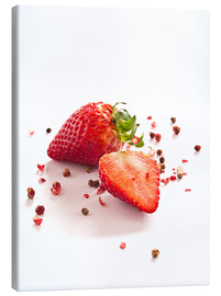 Tableau sur toile  Strawberries with red peppercorns - Edith Albuschat