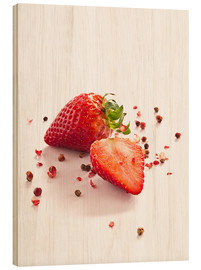 Tableau en bois  Strawberries with red peppercorns - Edith Albuschat