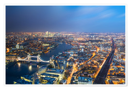 Circumnavigation - Cityscape of London at night