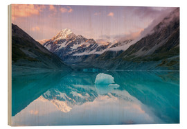 Matteo Colombo - Glacial lake at Mt Cook, New Zealand