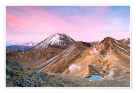 Poster  Awesome sunrise on Mount Ngauruhoe and red crater, Tongariro crossing, New Zealand - Matteo Colombo