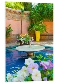 Tableau en PVC  Fountain and flowers in the Majorelle Gardens (Gardens of Yves Saint-Laurent), Marrakech, Morocco, N - Matthew Williams-Ellis