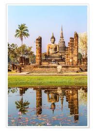 Poster  Wat Mahathat buddhist temple reflected in pond, Sukhothai, Thailand - Matteo Colombo