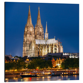 Night view of Cologne Cathedral