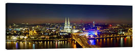 Tableau sur toile  A panoramic view of cologne at night