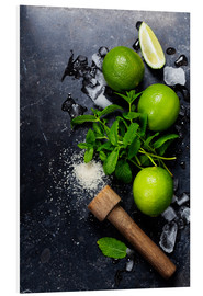 Mojitos (ice cubes, mint, sugar and lime)