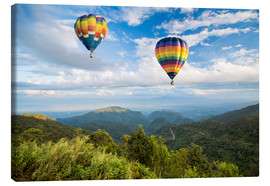 Tableau sur toile  Hot air balloon over the mountains
