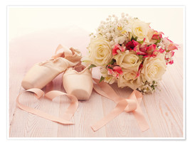 Poster  Ballet shoes with bouquet