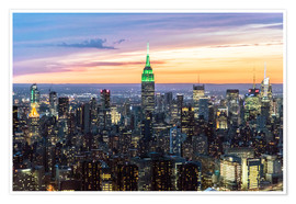 Poster  Empire State building and Manhattan skyline illuminated at dusk, New York, USA - Matteo Colombo