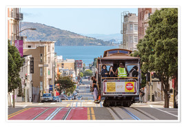 Poster  Cable car on a hill in the streets of San Francisco, California, USA - Matteo Colombo