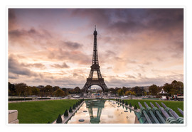 Poster EIffel tower at sunset from the Trocadero, Paris, France