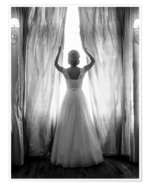 Poster  Elegant bride at big window
