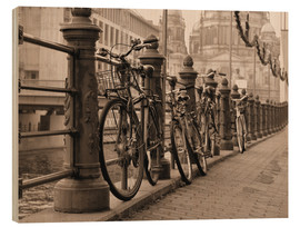 Tableau en bois  Bicycles on a promenade