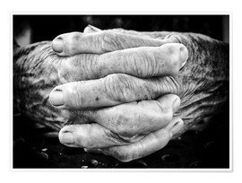 Poster  Hands of an old man