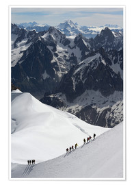 Poster  Mountaineers and climbers hiking on a snowy ridge, Aiguille du Midi, Mont Blanc Massif, Chamonix, Ha - Peter Richardson