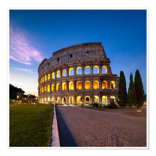 Poster The Colosseum at night in Rome, Italy