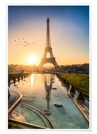 Poster  Romantic sunrise at the Eiffel Tower in Paris, France - Jan Christopher Becke