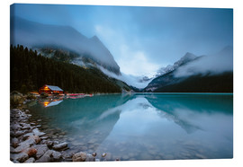 Tableau sur toile  Misty lake Louise, Banff, Canada - Matteo Colombo
