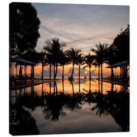 Tableau sur toile  Luxury infinity pool on the Gulf of Thailand